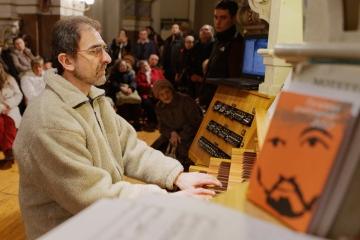 A felújított orgona bemutatása